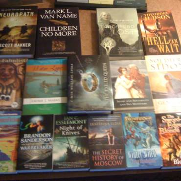 Photo Tuesday: Lookit all the books!